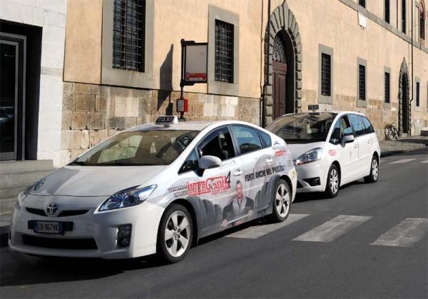 ヨーロッパ プリウス タクシー
