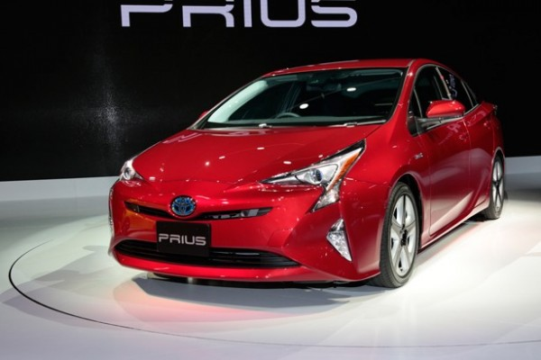 低燃費 新型プリウス